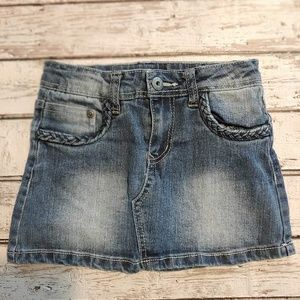 Super cute girls size 6 denim skort